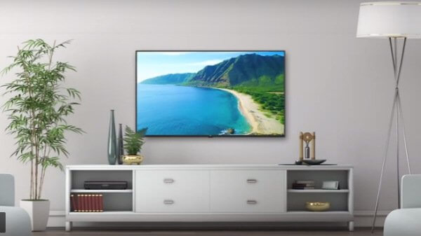 Xiaomi Mi LED TV 4X PRO on Wall
