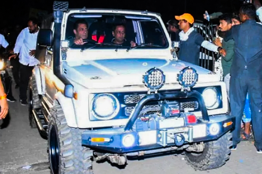 Salman Khan Spotted Driving Maruti Suzuki Gypsy Modified for Off-Roading