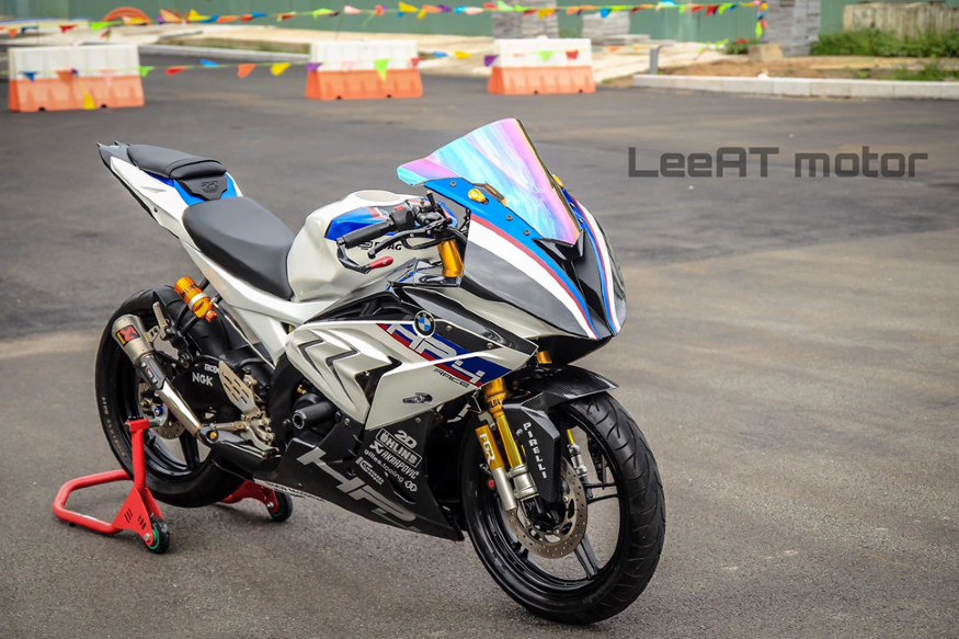 This BMW HP4 Race Superbike Worth Rs 85 Lakh Can Be Yours for Just Rs 5 Lakh, But There's a Catch