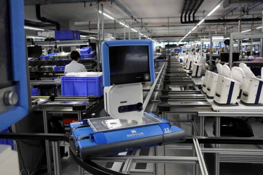 Major Auto, Aviation Giants to Make COVID-19 Ventilators in the Country; Britain Gives Approval