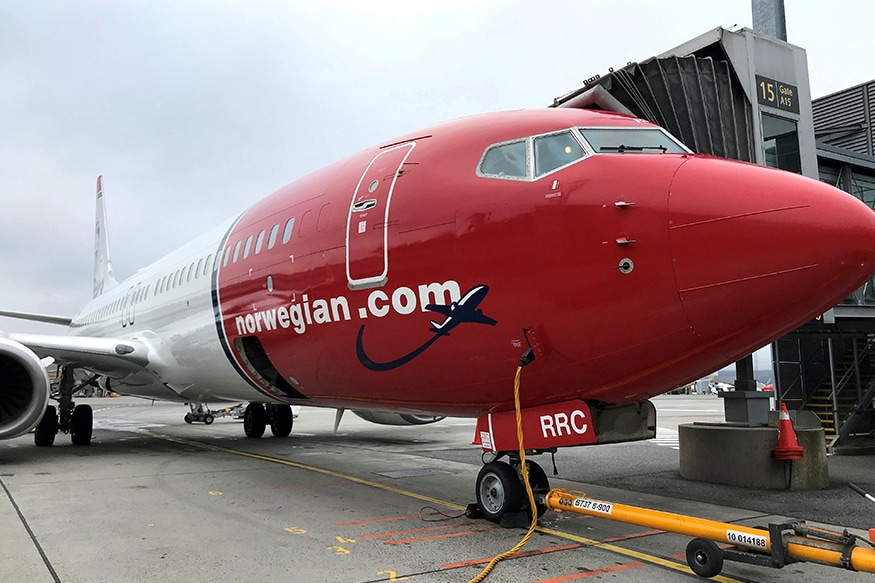 A Norwegian Air plane is refuelled at Oslo Gardermoen airport, Norway November 7, 2019. (Photo: Reuters)