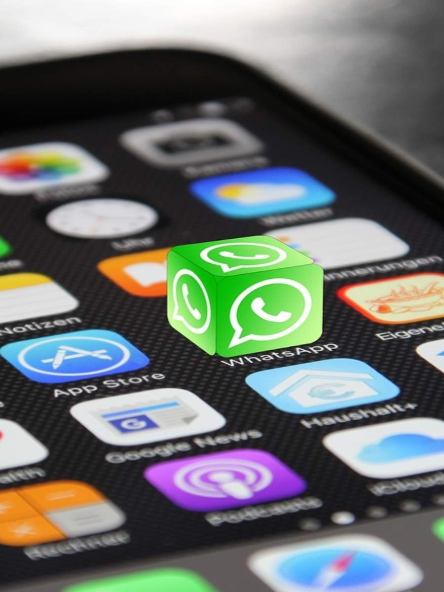 How to set custom wallpapers in WhatsApp